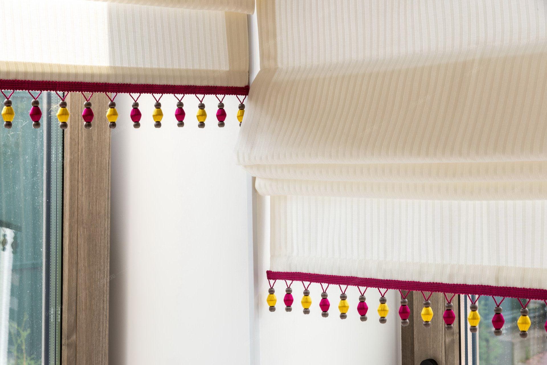 Римские шторы для женского кабинета