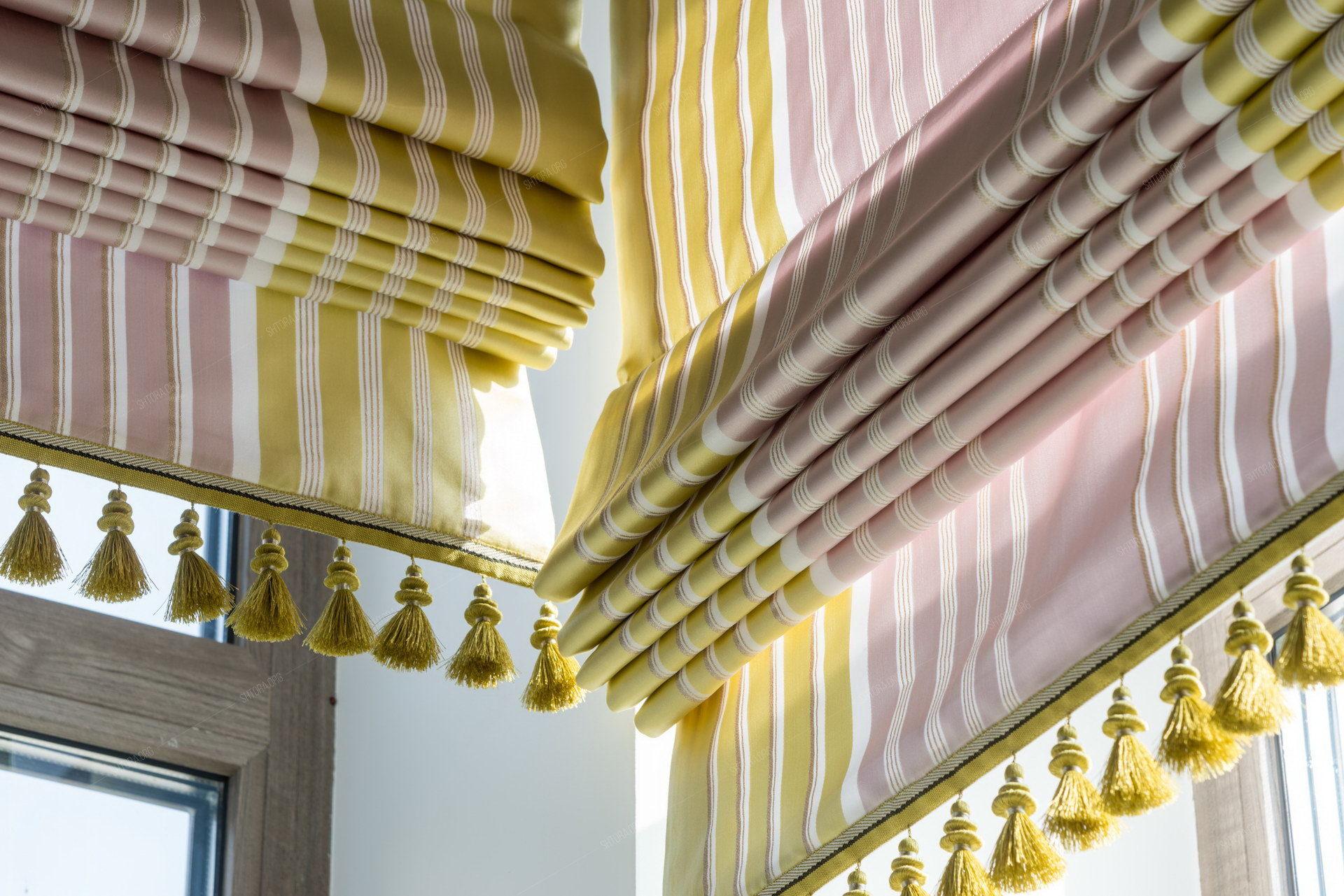 Римские шторы с бахромой