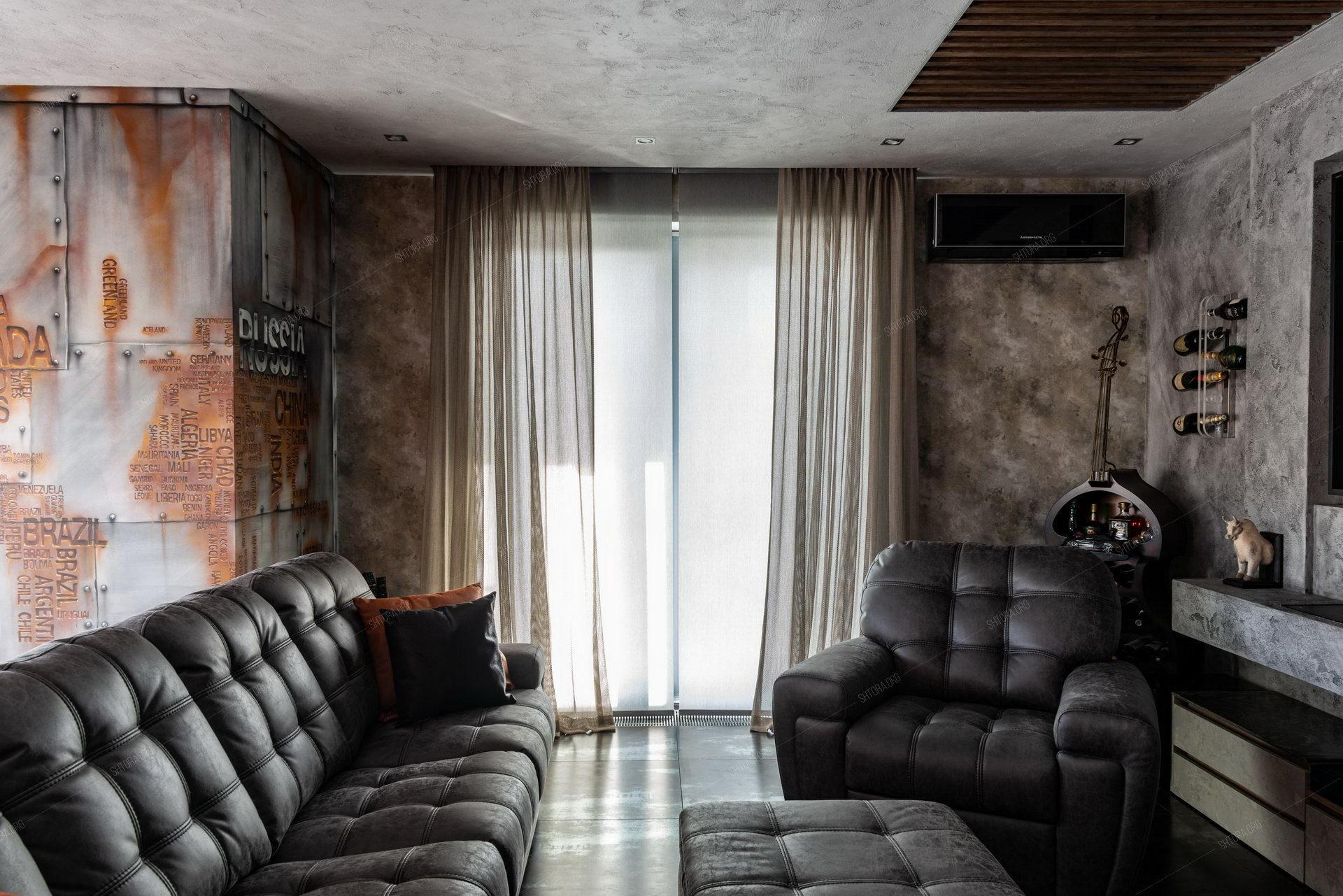 Рулонные шторы и фактурная сетка в стиле Лофт