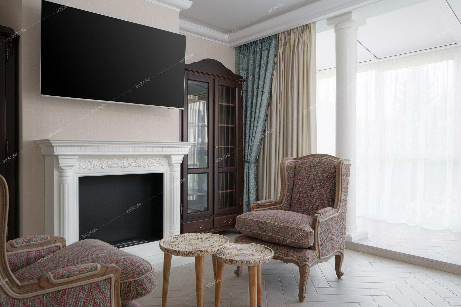 Портьеры в гостиной классического стиля